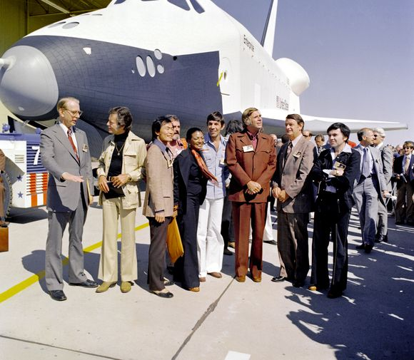 Star_trek_enterprise_inaugural_flight_17_sept_1976
